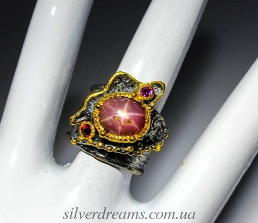 Кольцо со звёздчатым рубином купить в Украине