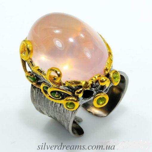 Дизайнерский перстень из серебра с розовым кварцем