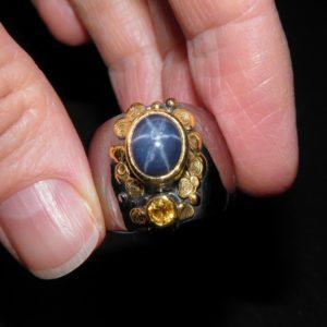 Кольцо со звёздчатым сапфиром в серебре