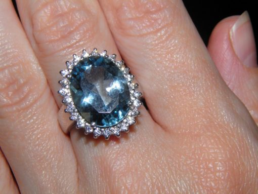 Топазовый перстень из серебра