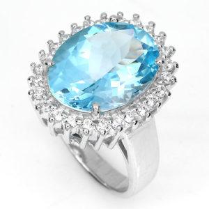 Серебряное кольцо с крупным голубым топазом