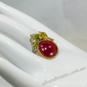Рубиновый перстень из серебра с позолотой