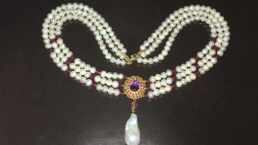 Тройное жемчужное ожерелье с подвеской