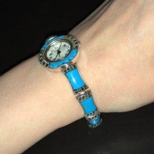 Бирюзовый браслет-часы в капельном серебре