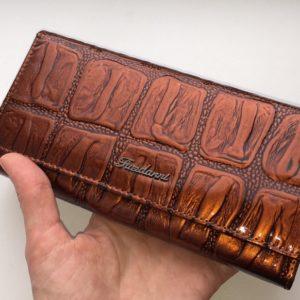 лакированный кошелёк из натуральной кожи