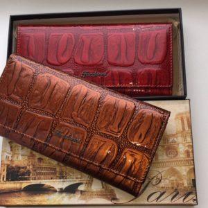 кошелёк из натуральной лаковой кожи