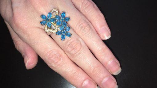 Серебряное кольцо с неоновыми апатитами