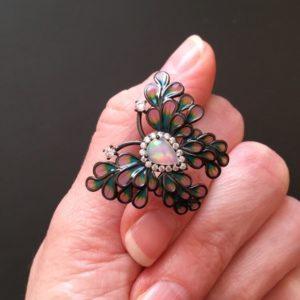 Серебряное кольцо Бабочка с опалом и эмалью в чёрном родии