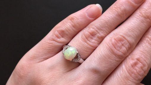 Кольцо с огненным опалом в серебре