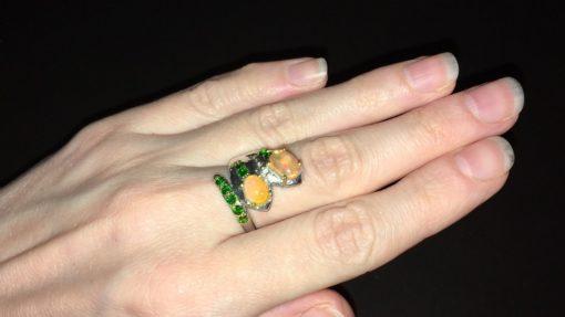 Опаловое кольцо в серебре