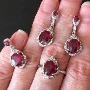 Рубиновый гарнитур в серебре