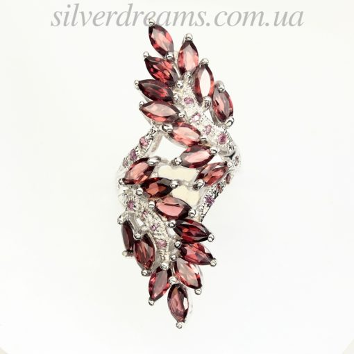 Серебряное кольцо с родолитами