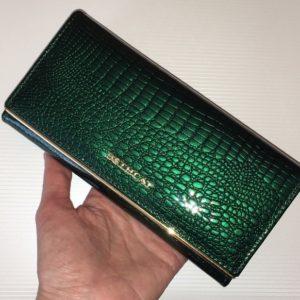 зелёный женский кошелёк из кожи