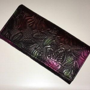 чёрный тиснёный кожаный кошелёк