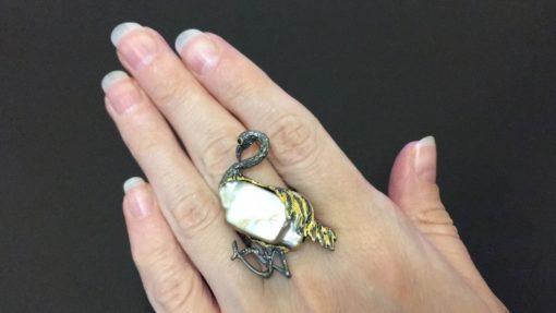 Серебряный перстень Фламинго с барочным жемчугом