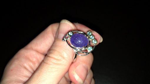 Серебряное кольцо с крупным танзанитом
