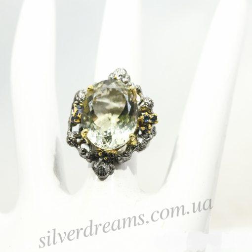 Серебряный перстень с зелёным аметистом
