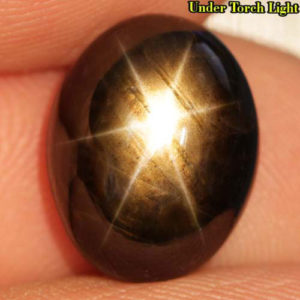 Чёрный звёздчатый сапфир 9,31 кт
