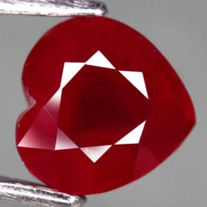 Натуральный рубин Сердце