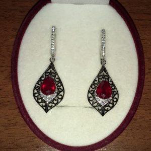 Серьги из серебра с рубином