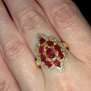 Кольцо с рубином в лимонном золоте