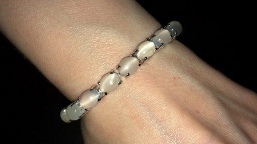 Серебряный браслет с лунным камнем кошачий глаз