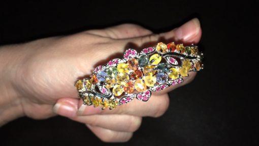 Серебряный браслет-обруч с мультисапфирами