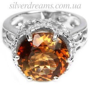 Серебряное кольцо с топазом империал