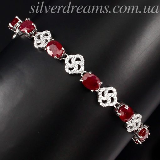 Серебряный браслет с рубинами