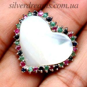 Серебряное кольцо-сердце с перламутром и драгкамнями