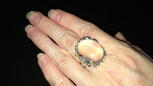 Серебряное кольцо с крупным гладким розовым кварцем