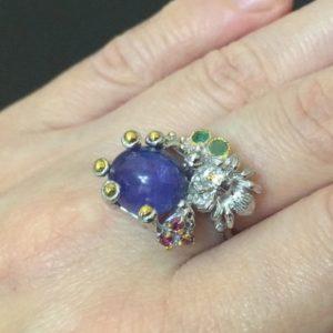 Танзанитовое кольцо в серебре