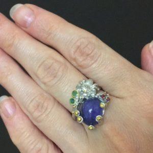 Дизайнерское кольцо с танзанитом в серебре