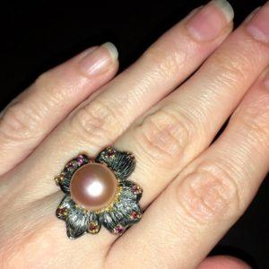 Серебряное кольцо цветок с розовой жемчужиной