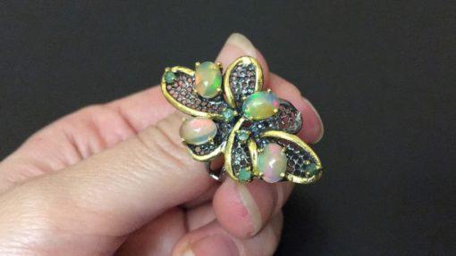 Серебряное кольцо Огненный Опал & Изумруд
