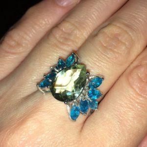 Серебряное кольцо с празиолитом и апатитами