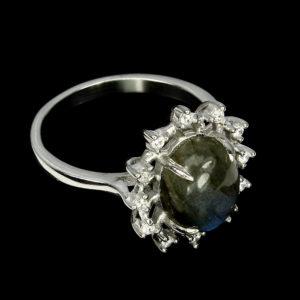 Кольцо с лабрадоритом в серебре