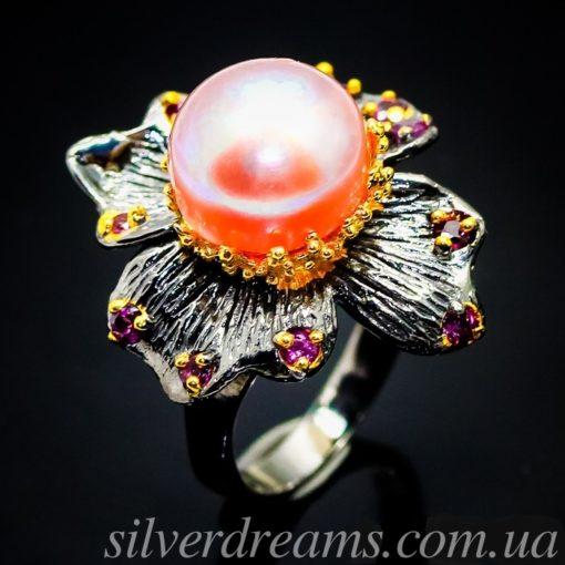 Серебряное кольцо-цветок с крупной жемчужиной