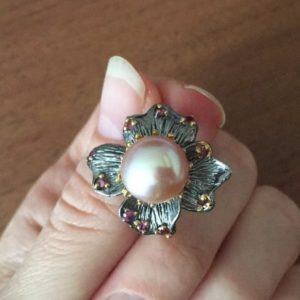 Серебряное кольцо с розовым жемчугом
