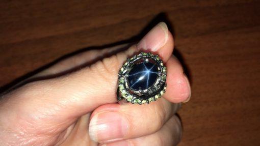 Кольцо с крупным звёздчатым сапфиром в серебре