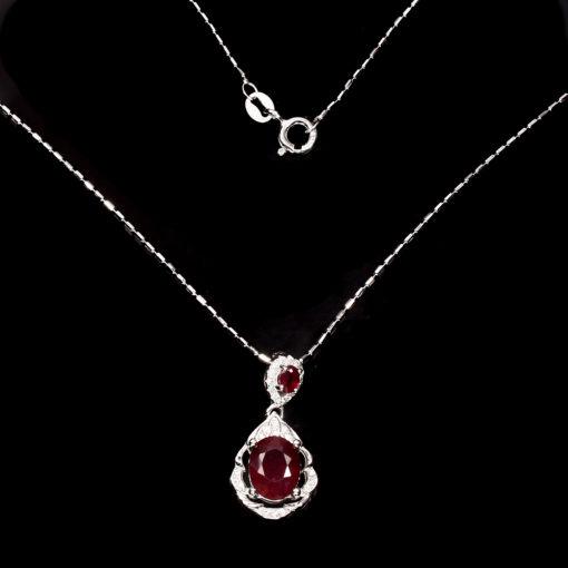 Серебряный кулон на цепочке с рубином