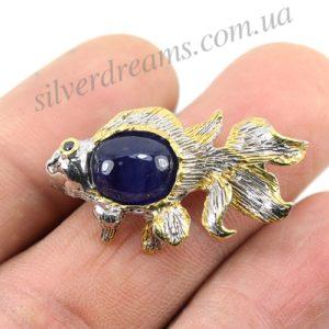 Сапфировая брошь Рыба в серебре