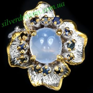 Серебряное кольцо с халцедоном и сапфирами