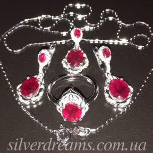 Серебряный комплект с рубинами