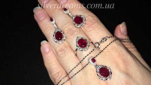 Серебряный гарнитур с мадагаскарским рубином