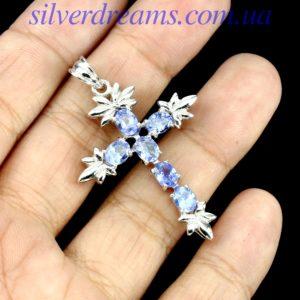 Серебряный крестик с танзанитами