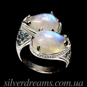 Серебряное кольцо с крупным лунным камнем