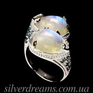 Серебряный перстень с лунным камнем