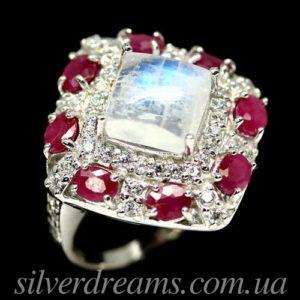 Серебряное кольцо с лунным камнем и рубинами