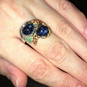 Серебряное кольцо со звёздчатыми сапфирами
